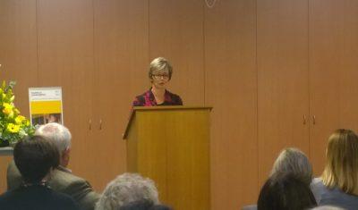 Cr Janelle Culverson officially launches Books on Prescription program